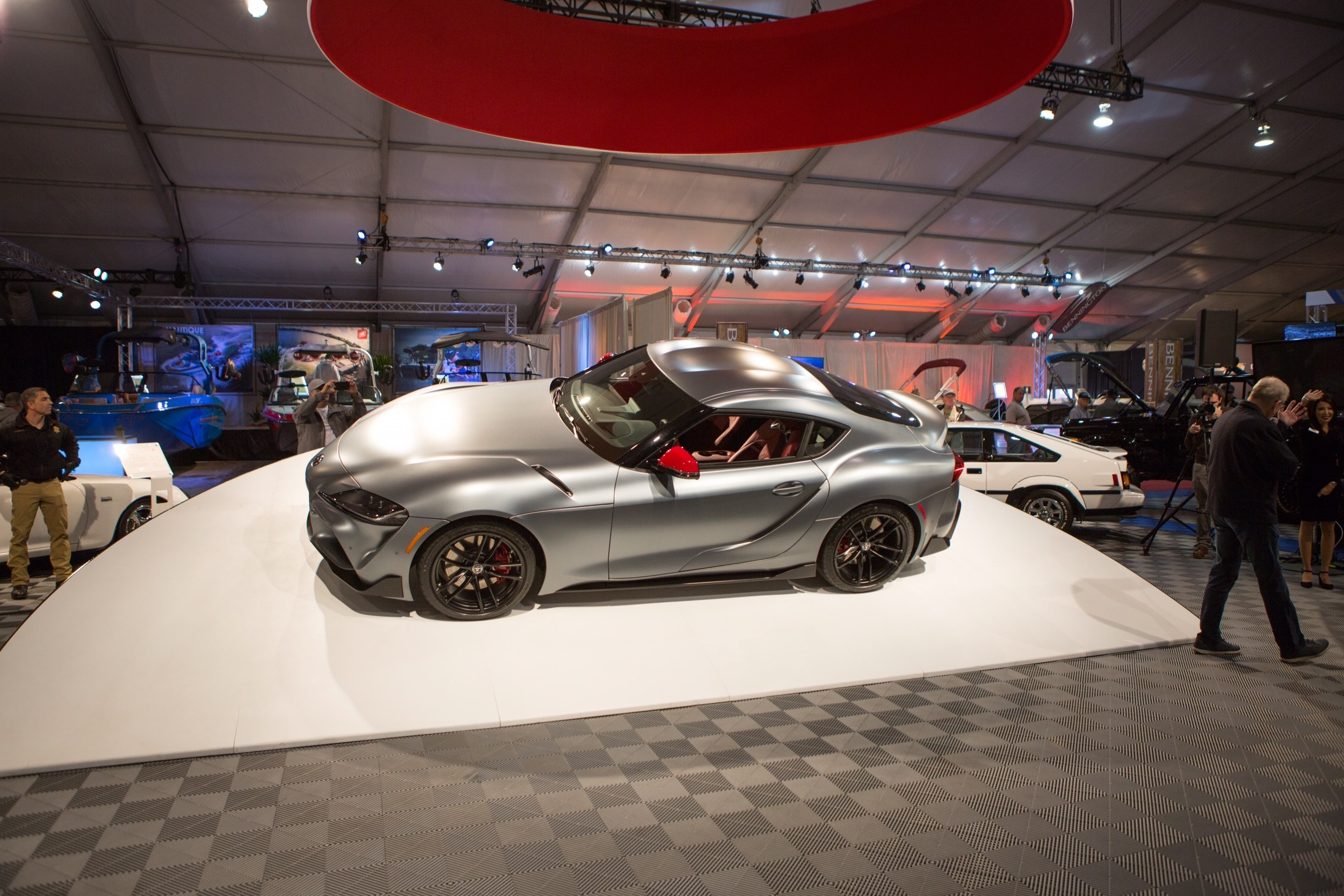 The First Production 2020 Toyota Gr Supra To Roll Off Embly Line Was Auctioned For Charity It S A Ing Start Launch Of